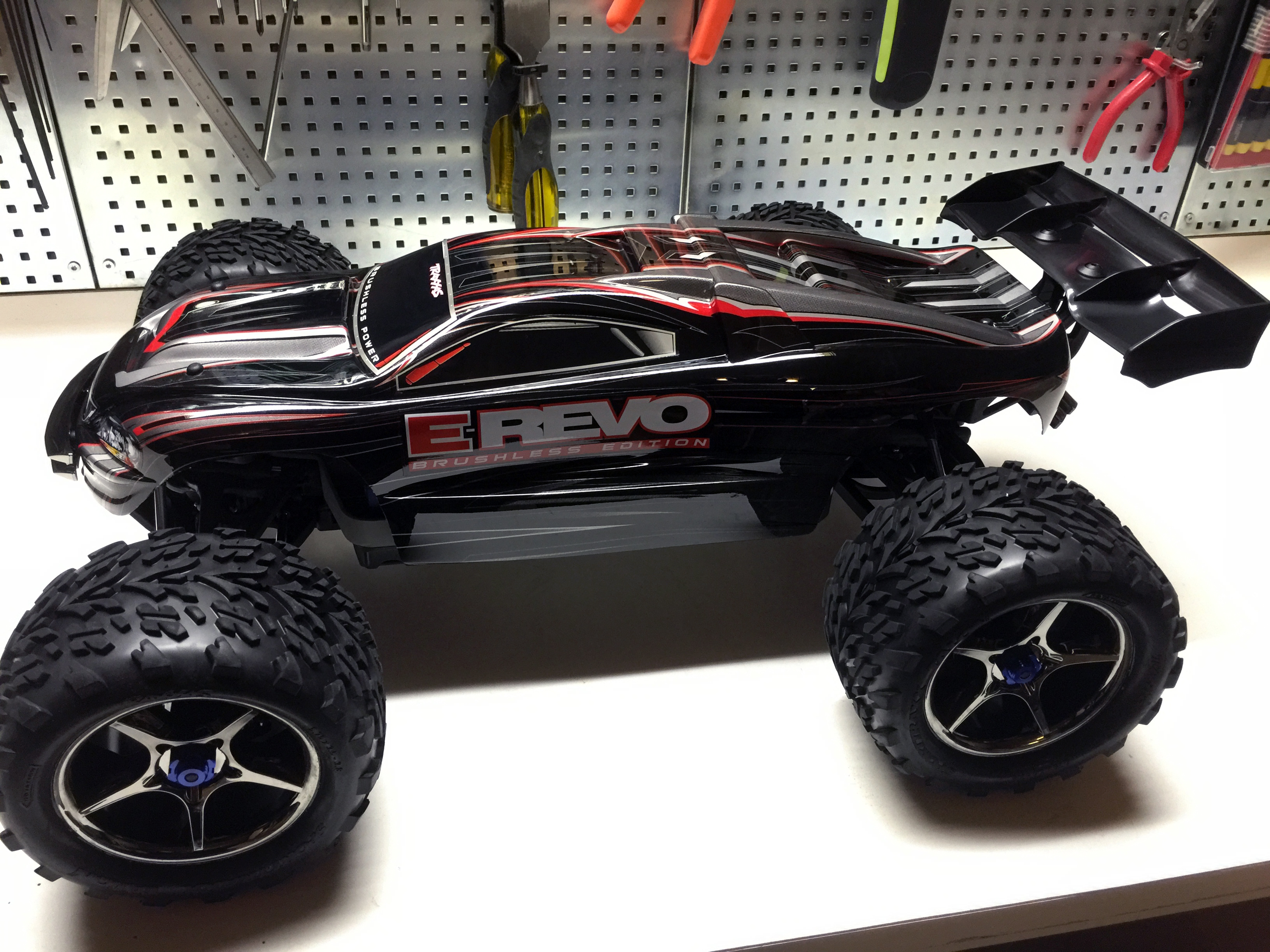 Traas E Revo Brushless 4wd Monster Truck